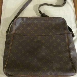 Authentic Louis Vuitton GM Messenger Bag